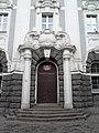 Вход в здание КГТУ по адресу пр-т Мира, 2.jpg