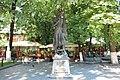 Пам'ятник Міхаю Емінеску (1850—1889) — класику румунської літератури, Чернівці, вул. С.Бандери, вул. Університетська, сквер.jpg