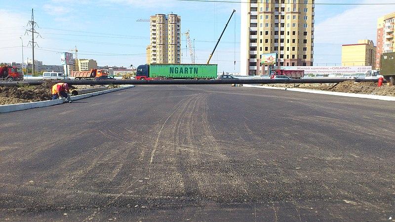 File:Подъезд к ТЦ ЛЕНТА - panoramio.jpg