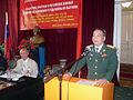 Старший полковник Динь Конг Лой выступает на 42-й ежегодной встрече ветеранов Войны во Вьетнаме.jpg