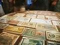 百年鼓浪屿中的各国钱币.jpg