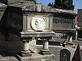 036 Cementiri de Valls, panteó de la família Massó, detall.jpg