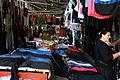 07.08.2012 Kleiderverkauf am Markt von Lac Albanien 01.JPG