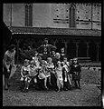 16.10.52. M. Escudier gardien de musée gagnant de la Loterie Nationale (1952) - 53Fi4930.jpg