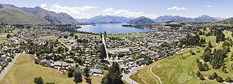 Wanaka - Aerial panorama of the town