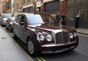 Armored car (VIP) - Queen Elizabeth II's Bentley State Limousine