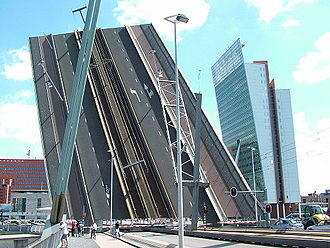 Erasmusbrug - Image: 2008 07 erasmusbrücke hoch