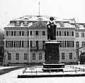 2010-01-30 Bonn Beethovendenkmal Schnee sw.JPG
