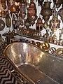 2010-23-06 - Marrakesch - Souks - El Fanous - Badewanne aus Messing - panoramio.jpg