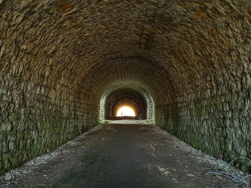 This file was uploaded  with Commonist.    Fort du Lomont: galerie principale de l'entrée du réduit (HDR).