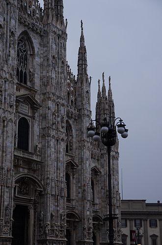 Buttress - Image: 2014 02 13 16 12 25 Milano ITALY Duomo facciata facade con lampione with street lamp photo Paolo Villa FOTO3972