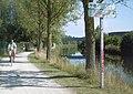24 véloroute du canal de Roubaix rive droite entre les écluses 1 et 2 à Marcquette.jpg