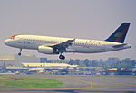 250ch - TACA Airbus A320-233, N457TA@MEX,24.07.2003 - Flickr - Aero Icarus.jpg