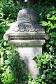 598683 Wrocław Cmentarz Żydowski - nagrobki 04.JPG