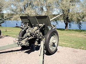 76 mm divisional gun M1936 (F-22) - F-22 in Hämeenlinna artillery museum, Finland.