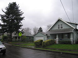 78th Avenue, Foster-Powell, Portland, Oregon (11 March 2010).jpg