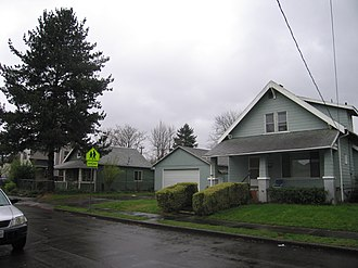 Foster-Powell, Portland, Oregon - Image: 78th Avenue, Foster Powell, Portland, Oregon (11 March 2010)