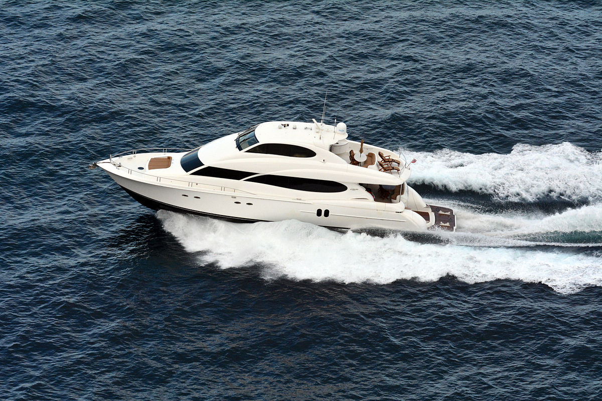 Yacht - Wikipedia