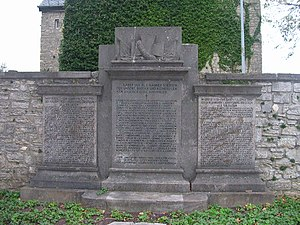 Laurensberg - Image: Aachen Laurensberg Gefallenendenkmal Laurentiuskirche