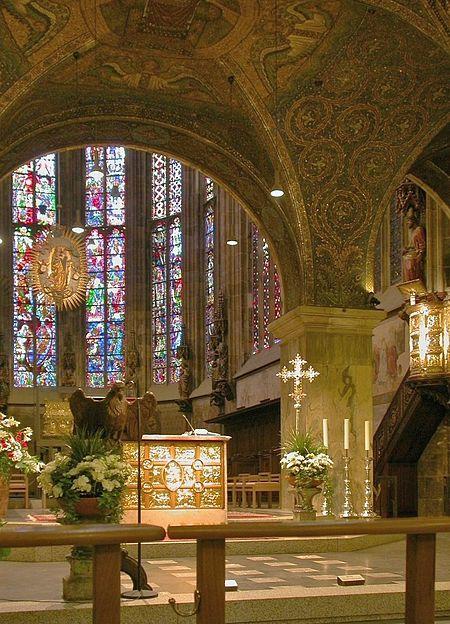 Fichier:Aachener dom altarraum.jpg