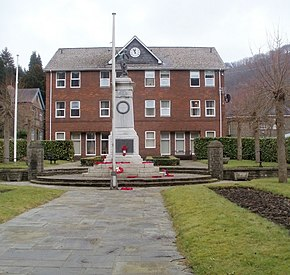 Abercarn War Memorial - geograph.org.uk - 2303245.jpg