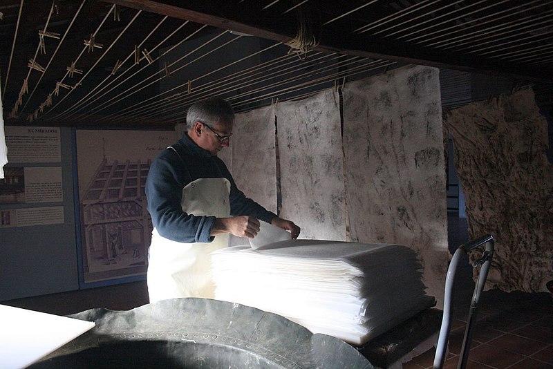 File:Activitats Museu Molí Paperer de Capellades 002A.jpg