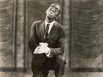 The Jazz Singer - Jack Robin on stage, in a publicity shot representing the movie's final scene