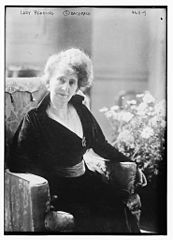 Alice Isaacs, Marchioness of Reading in 1918 by Bachrach Studios.jpg