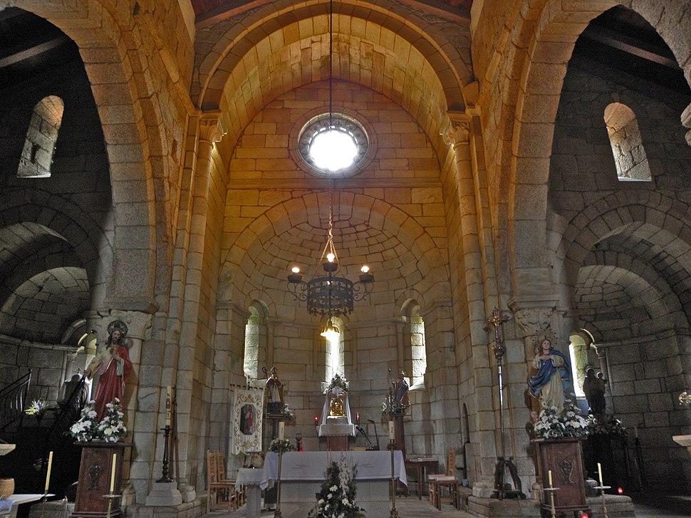 Altar da igrexa de Santa María de Mezonzo, Vilasantar