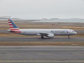 American Airlines A321 N180US at BOS (33630378502).jpg