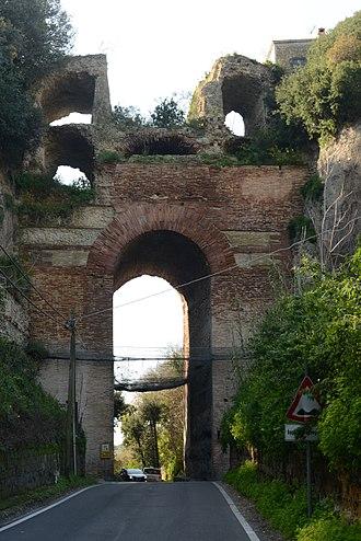 Via Domiziana - Via Domitiana through the Arco Felice in Cumae