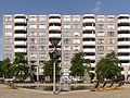 Arnhem-Kronenburg, fonteinen aan de achterkant van winkelcentrum met tuinbeeld GM0202WN0388 Kronenburg foto5 2015-06-30 10.47.jpg