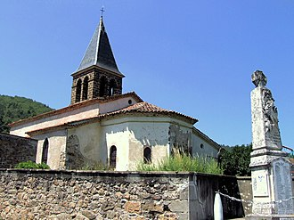Aubazat - The church of Saint-Roch and the war memorial