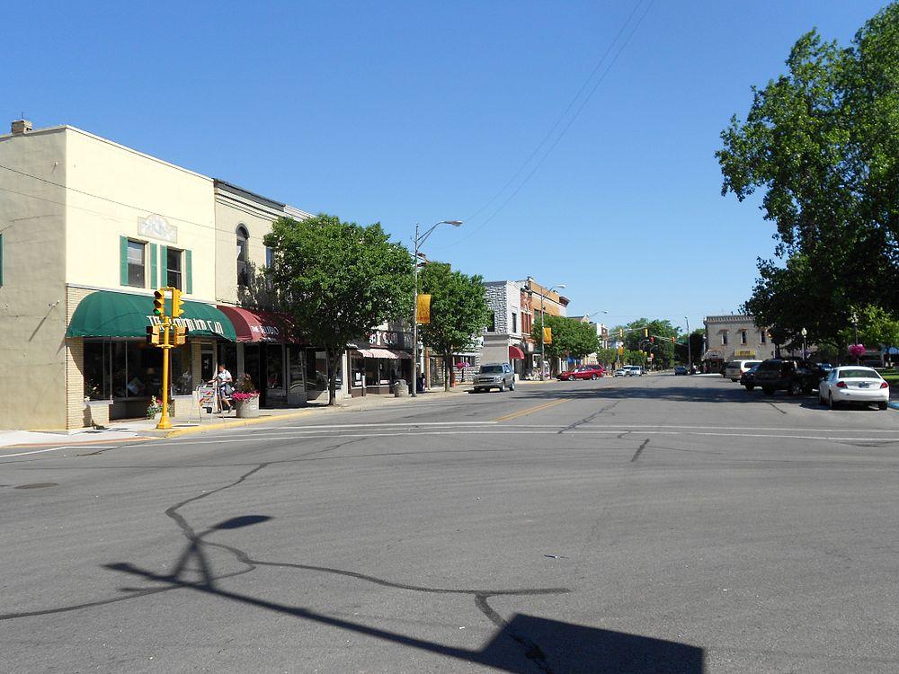 The population density of Auburn in Indiana is 692.28 people per square kilometer (1793.1 / sq mi)