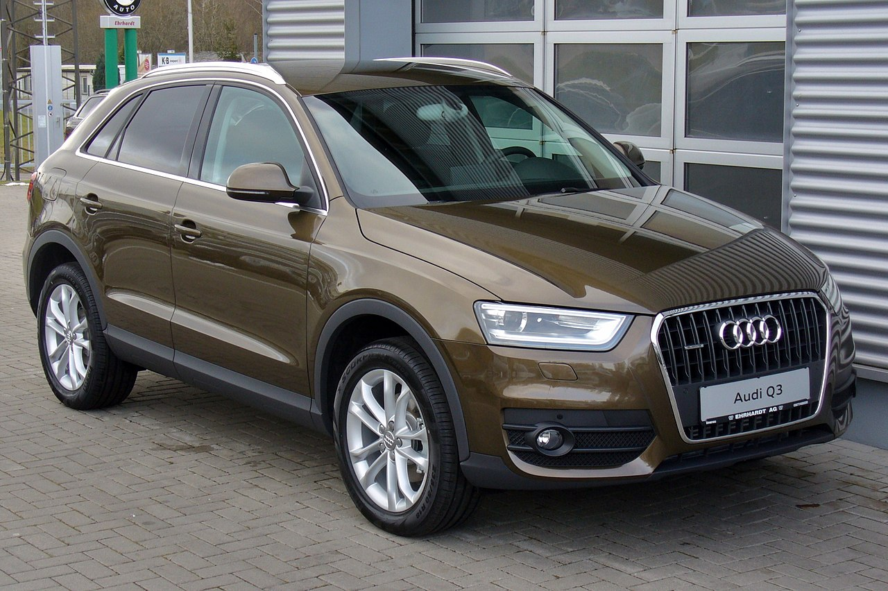 file audi q3 2 0 tdi quattro s tronic karibubraun jpg wikimedia commons. Black Bedroom Furniture Sets. Home Design Ideas