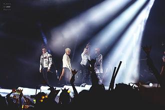 Big Bang (South Korean band) - Big Bang performing in Dalian, China during their Made World Tour in 2015