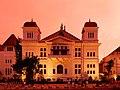 Bank Indonesia Yogyakarta kala senja.jpg