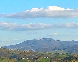 Baronia district viewed from Ariano Irpino.jpeg