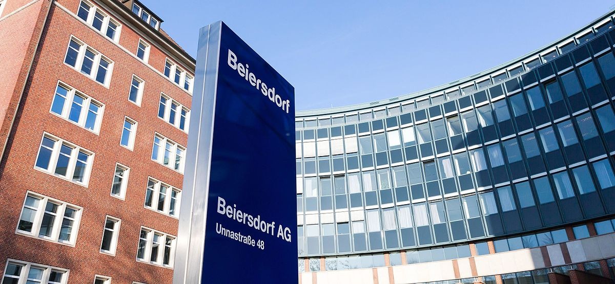 a description of the company of beiersdorf Beiersdorf ag is a german personal-care company based in hamburg, manufacturing personal-care products and pressure-sensitive adhesivesits brands include elastoplast, eucerin (makers of aquaphor), labello, la prairie, nivea and tesa (tesa tape).