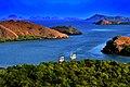 Berlabuh di Pulau Rinca.jpg