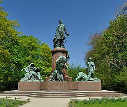 Berlin - Bismarck-Nationaldenkmal1.jpg