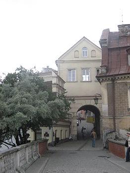 Polski: Brama Grodzka – widok od strony Zamku