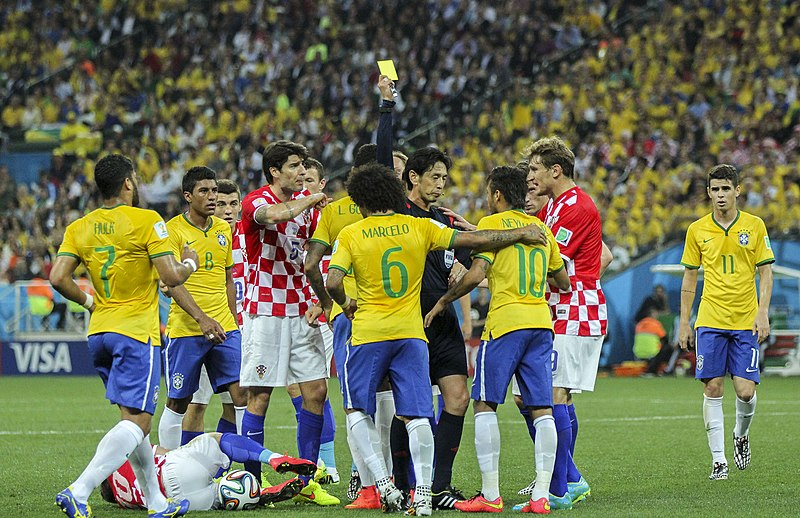 Файл:Brazil and Croatia match at the FIFA World Cup 2014-06-12 (25).jpg