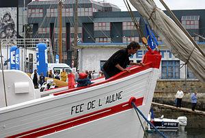 Brest2012 La fee paree a naviguer.jpg