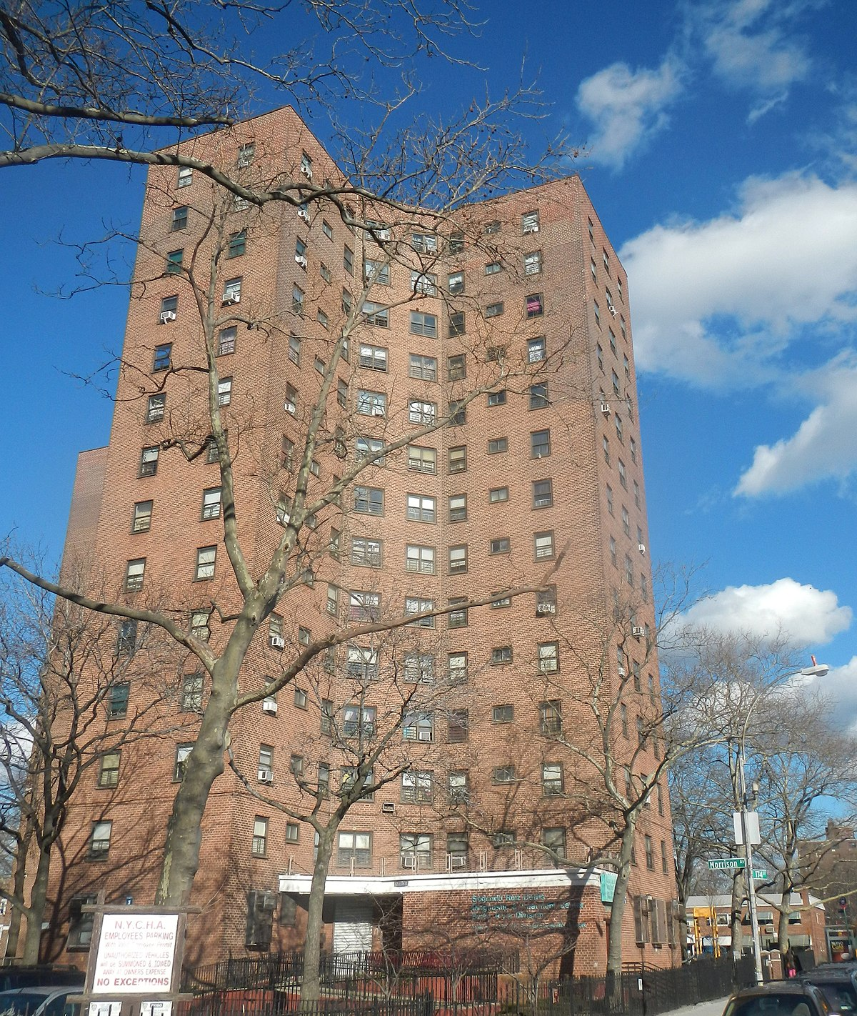 Low Income Apartments Nyc: Bronx River Houses