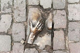 Oude Kerk, Amsterdam - Image: Bronze relief Oudekerksplein Amsterdam