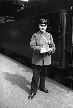 Deutsche Reichsbahn - A DRG conductor in 1928