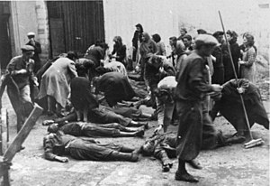 Tarnopol Ghetto - Identifying corpses of the NKVD massacre in Tarnopol, 1941