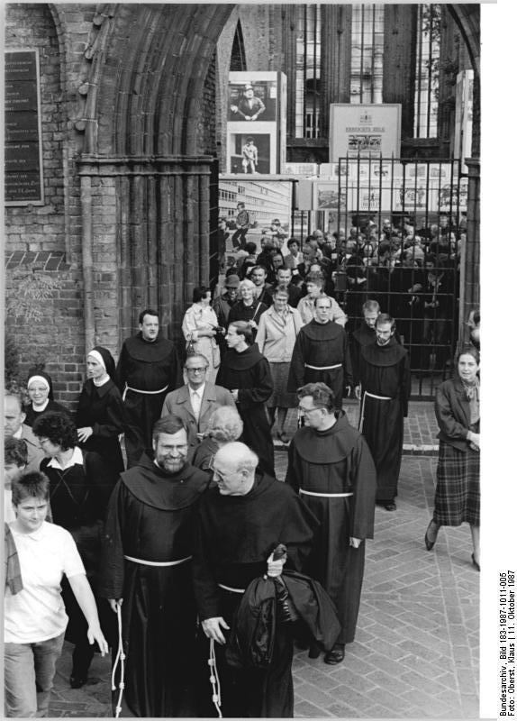 Bundesarchiv Bild 183-1987-1011-005, Berlin, 750-Jahr-Feier, Franziskaner-Gedenkfeier