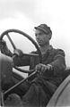 Bundesarchiv Bild 183-20763-0132, Isseroda, Traktorist der MTS.jpg